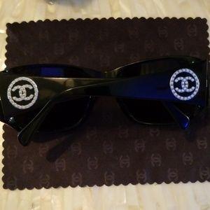 😎🖤😎Authentic Chanel Sunglasses